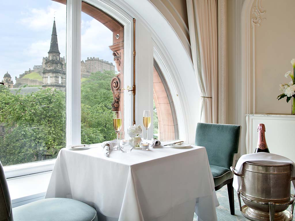 WA Edinburgh - The Caledonian - Engagement Table - Pompadour - 952592