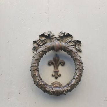 Sanatsal Dokunuş Olarak Rönesans Kapıları ve Tokmakları