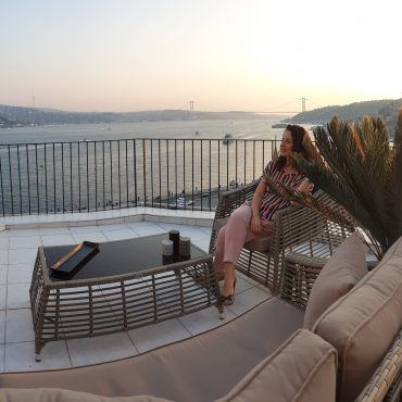 Evim Güzel Evim #27 – Arnavutköy Salon ve Teras Projemiz