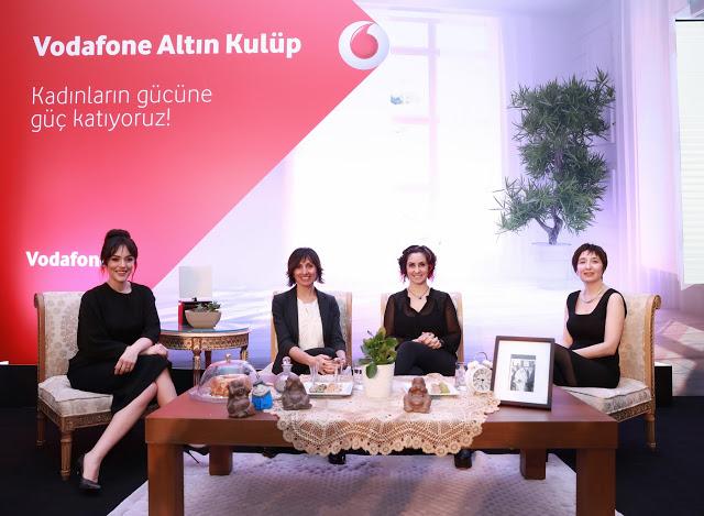 Ezgi Moda-Vodafone Marka ve Strateji Direktörü Ebru Özgüç-Rabia Özdemir-Elif Dogan (3)