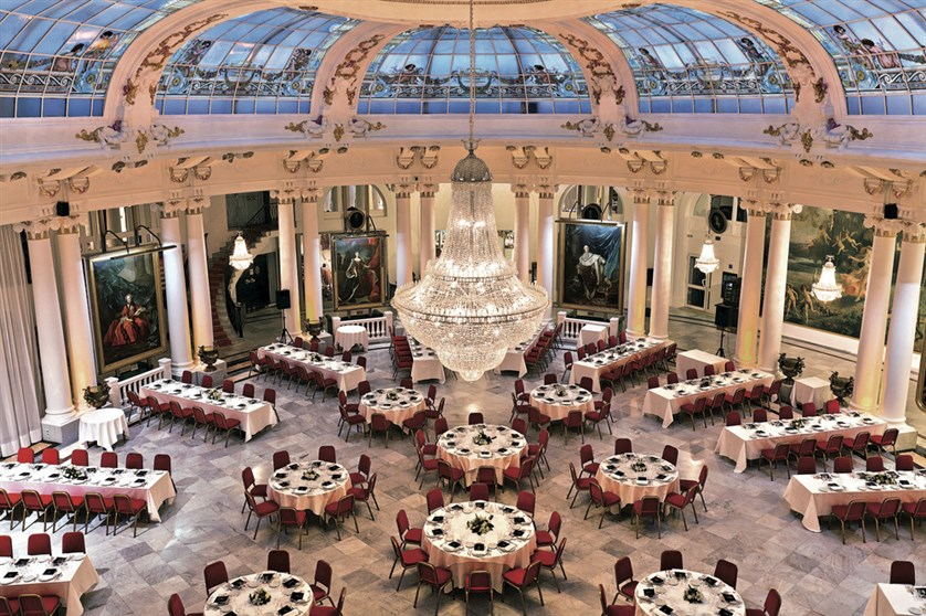 hotel-negresco-nice-salon-royal-41
