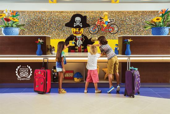 legoland-hotel-reception